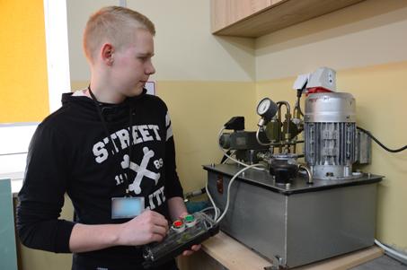 Elektromechanik – młodociany pracownik